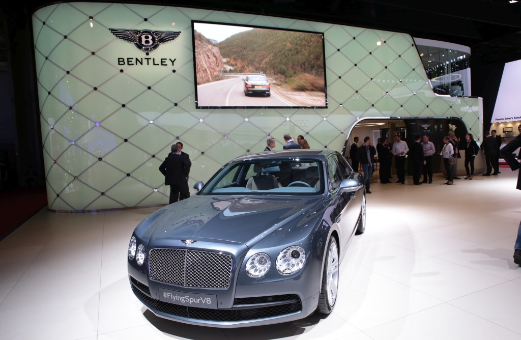 2014_Bentley_Messe_Paris_07_klein