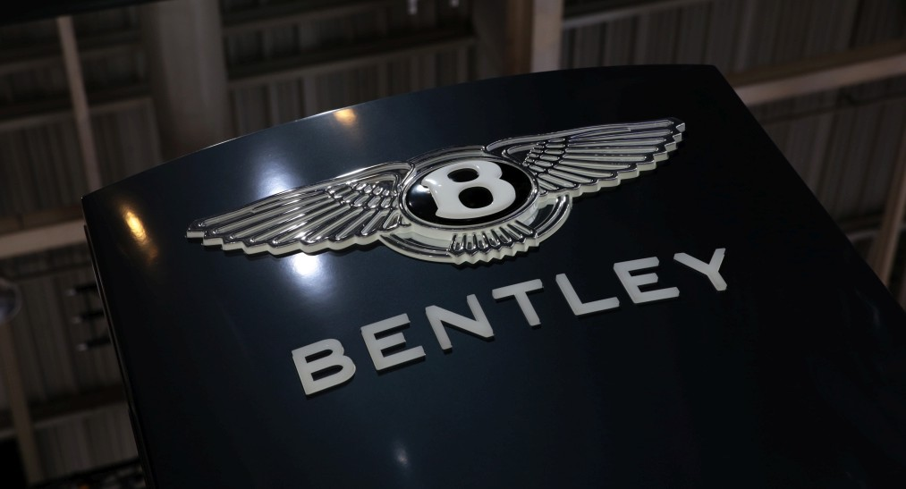 2014_Bentley_Messe_Paris_09_klein